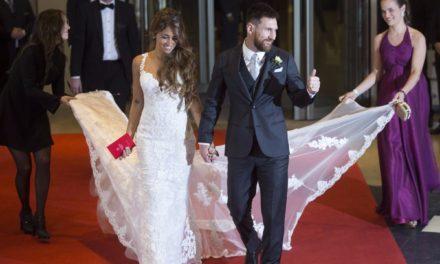 soccer star lionel messi marries antonella roccuzzo