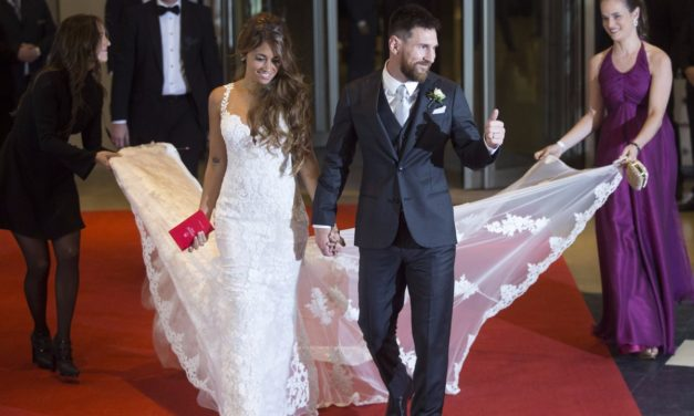 soccer star lionel messi marries antonella roccuzzo