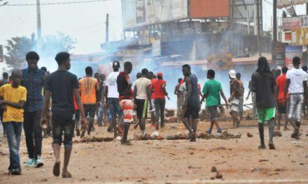 Radio stations in Guinea protest media crackdown