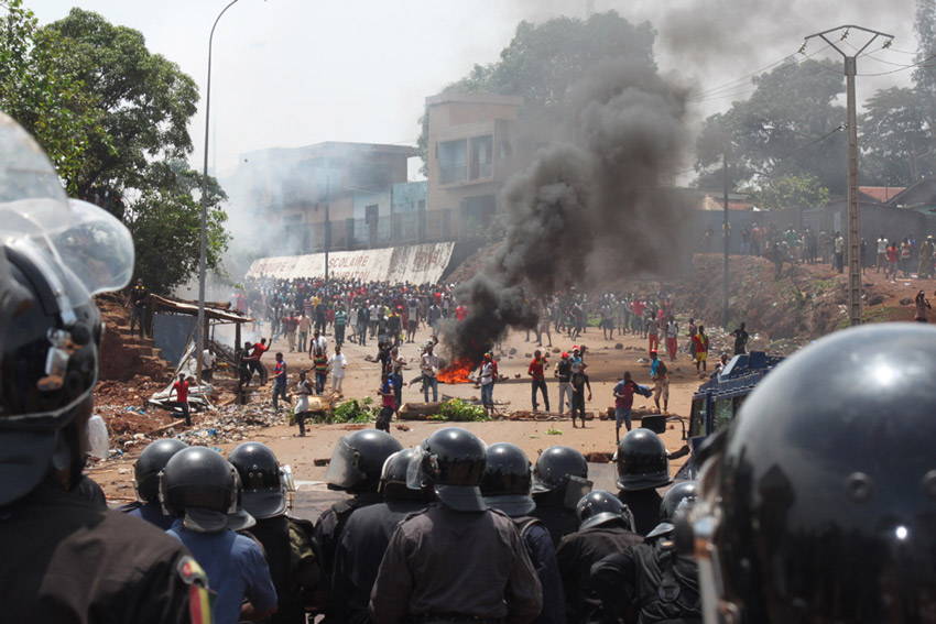 In Guinea's post-electoral violence, 50 arrested