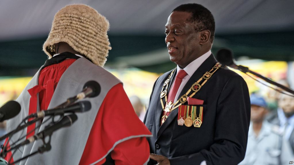 Zimbabwe's Mnangagwa sworn in as Zimbabwean president